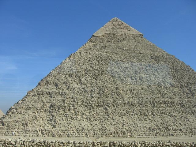 pirâmides - monumento - 7 maravilhas do mundo