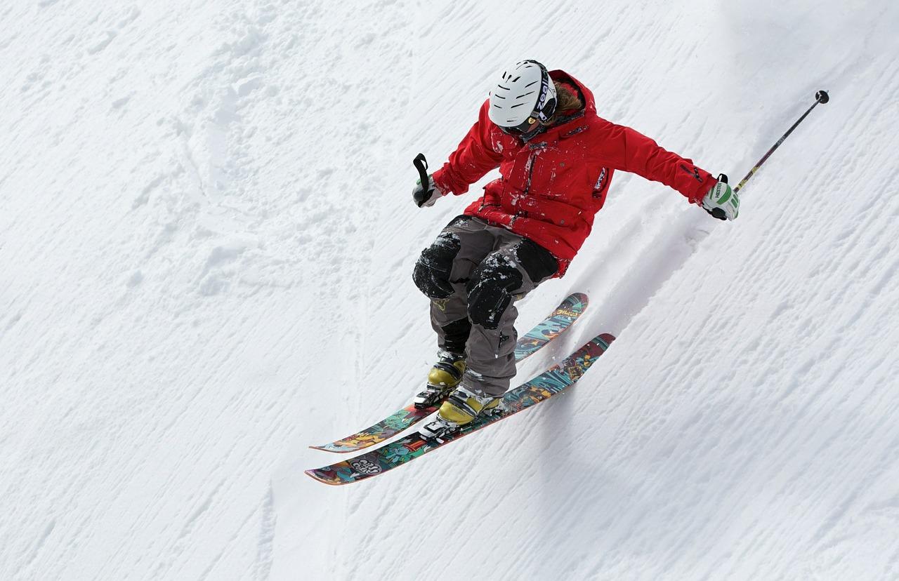 Há lugares para esquiar perto do Brasil surpreendentes.