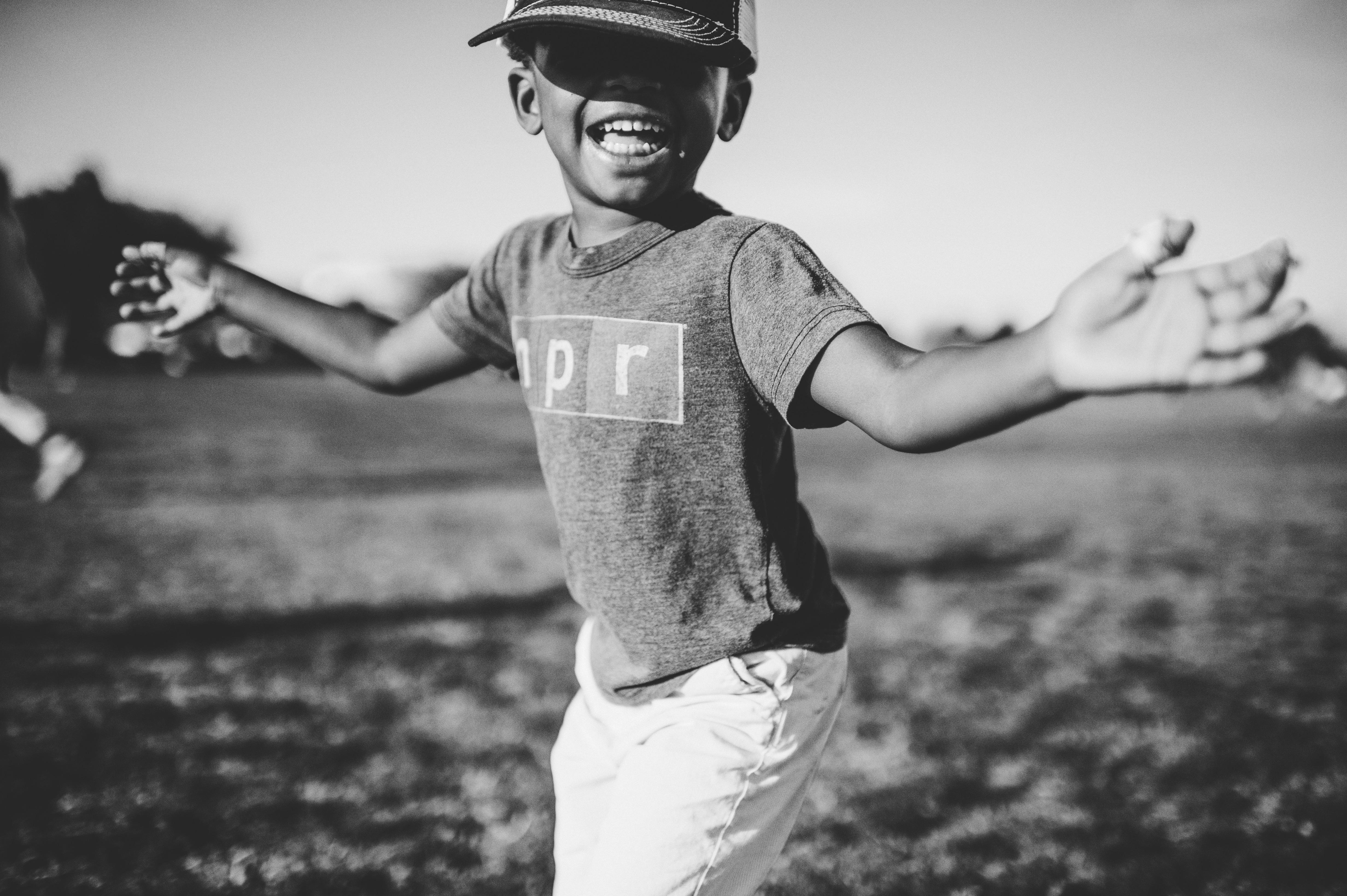 Garoto com um lindo sorriso - Hábito de sucesso