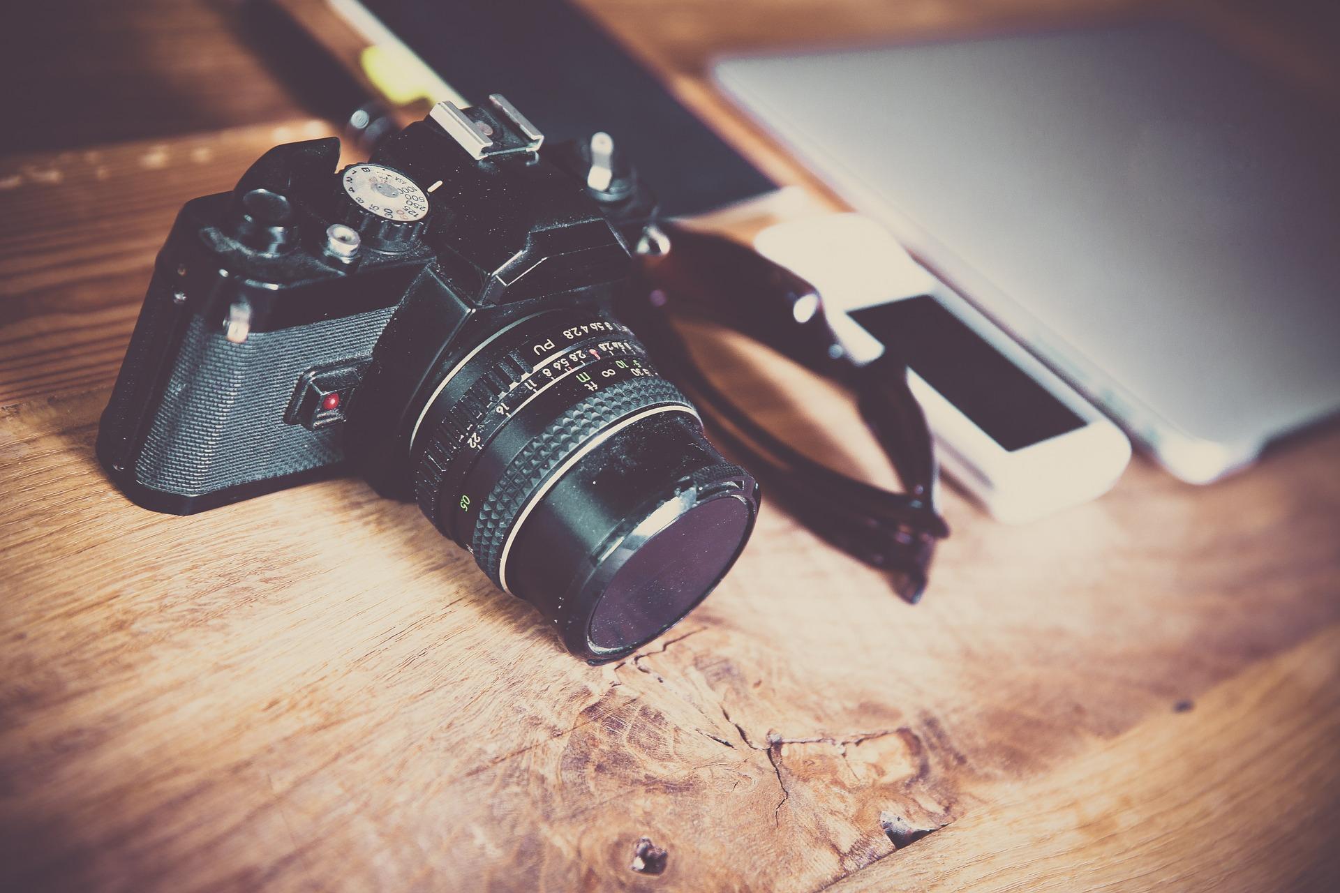 Câmera posicionada no chão