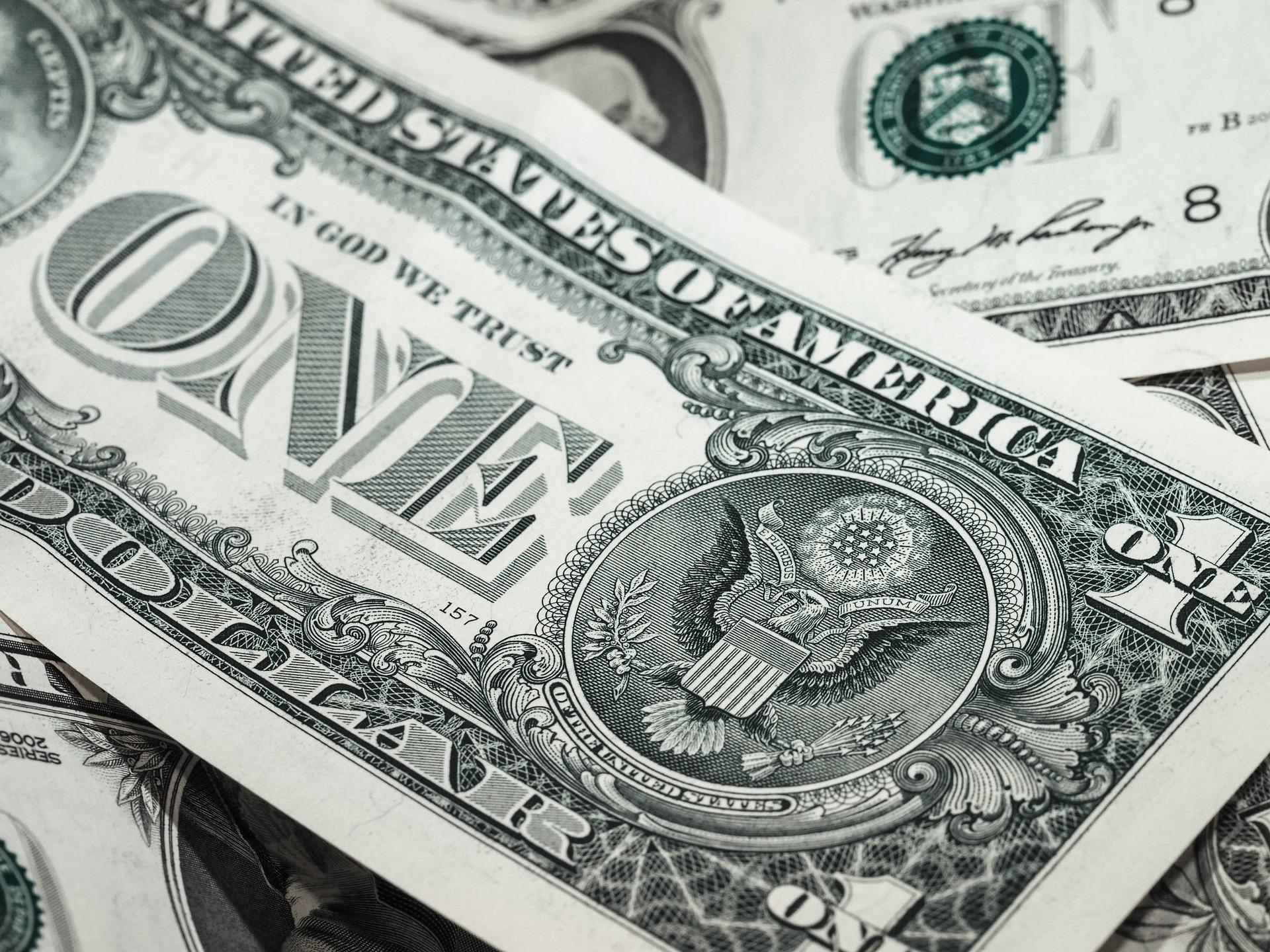 Dólar moeda forte
