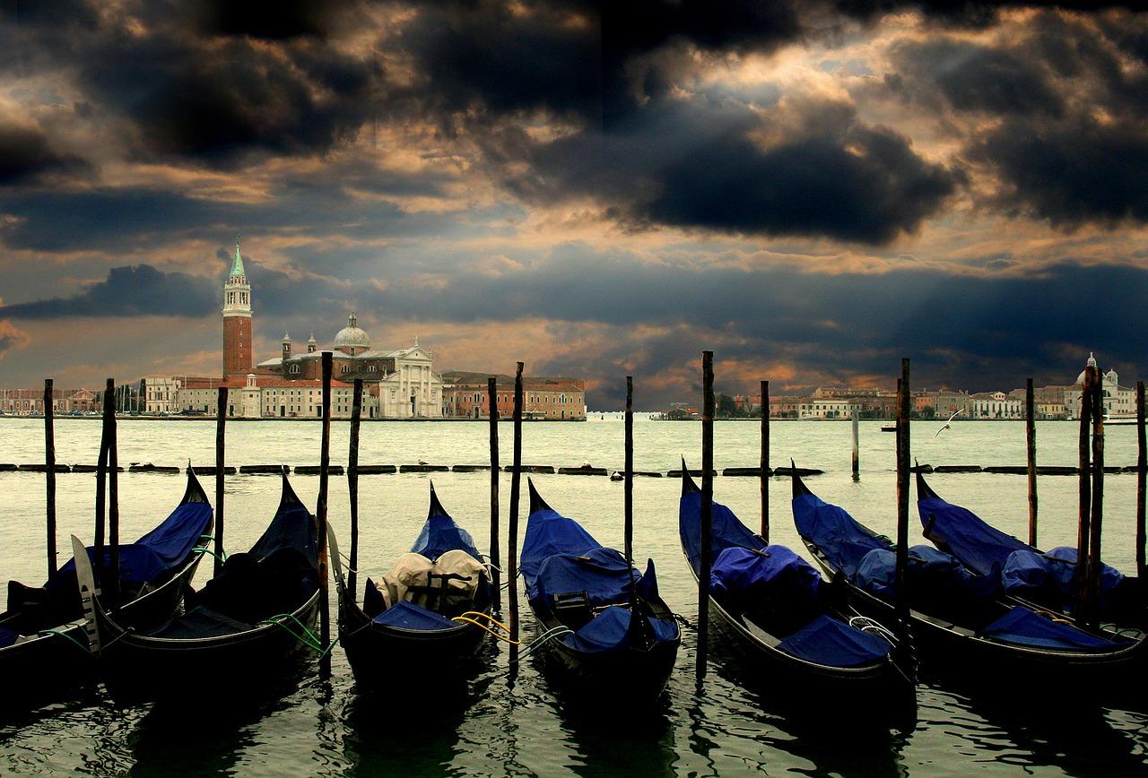 Gondolas de Veneza