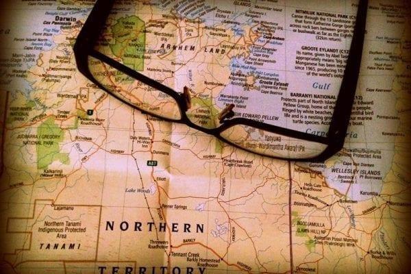 Viajar pelo mundo trabalhando