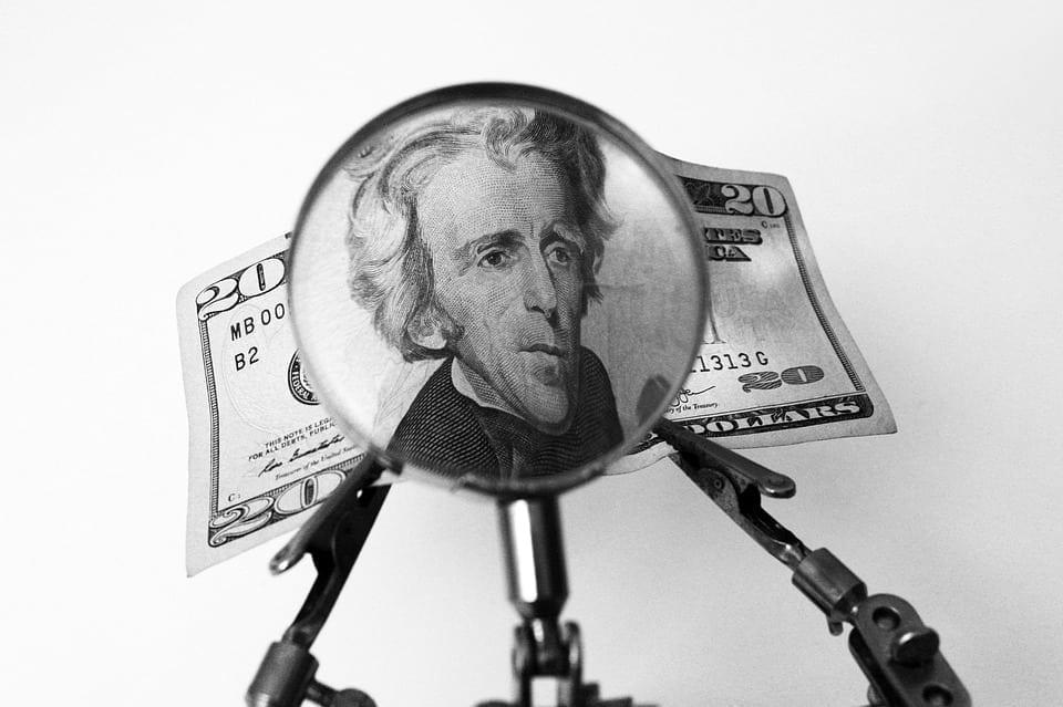 8 dicas de como sair da crise financeira