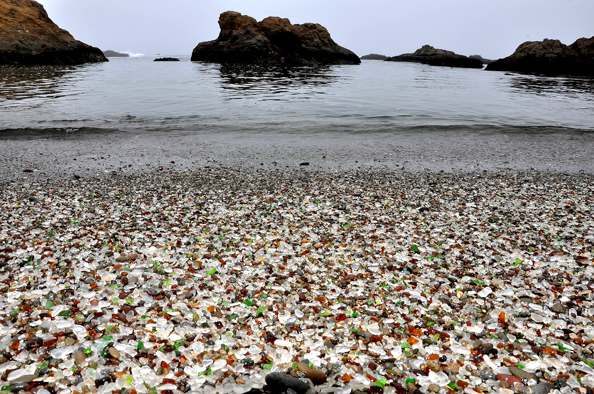 praias mais lindas do mundo glass beach
