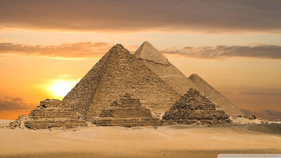 Conheça as misteriosas pirâmides do Egito