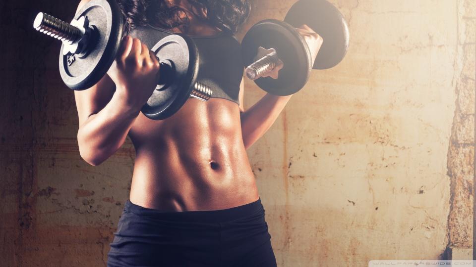 Musculação ajuda a queimar calorias