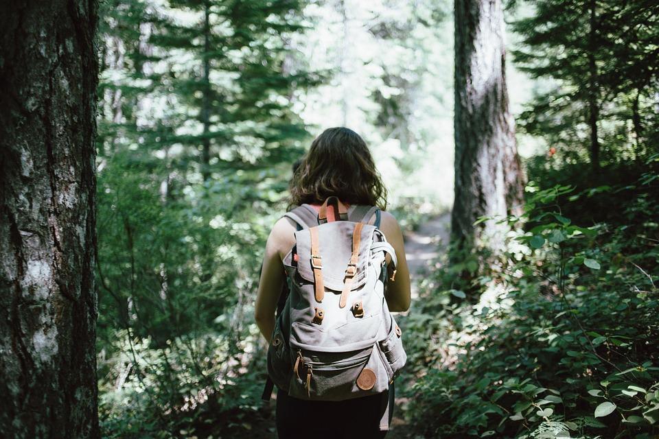 mochileiras que viajam sozinhas