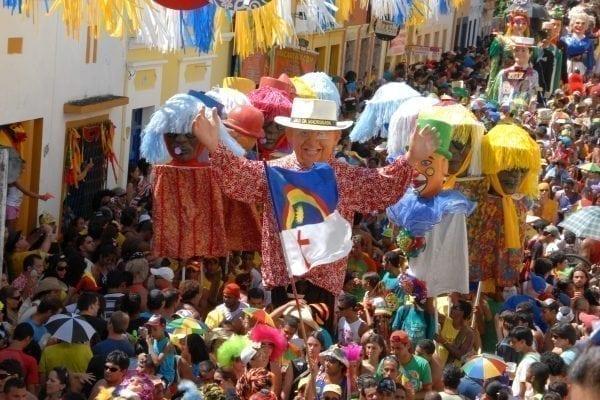 Descubra agora os melhores destinos para o Carnaval 2017