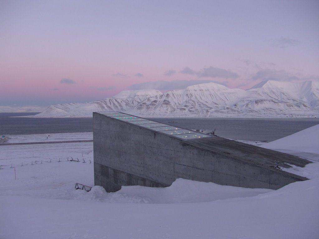 lugares-mais-secretos-do-mundo-misterio-silo-svalbard