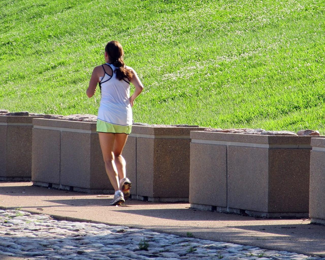 Pratique exercícios ao ar livre