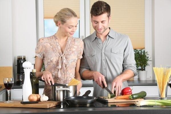11 maneiras de economizar tempo e dinheiro na cozinha