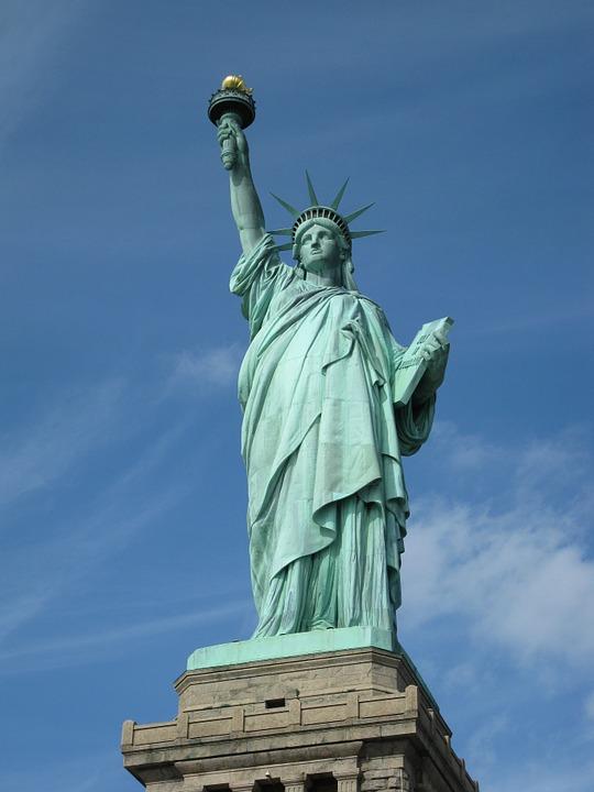 países que lideram o ranking para trabalhar como estrangeiro - estátua da liberdade