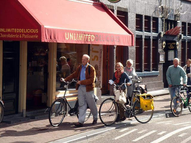 Turismo em Amsterdã em 2017 de bicicleta