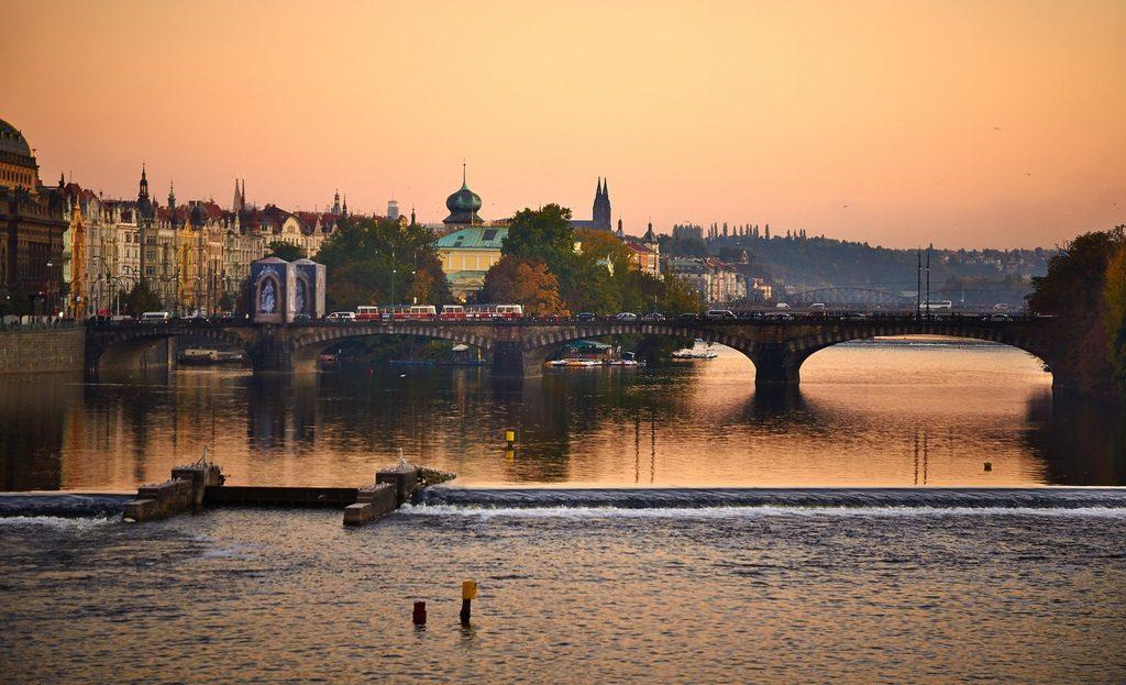 pontos de interesse em Praga Ponte Carlos