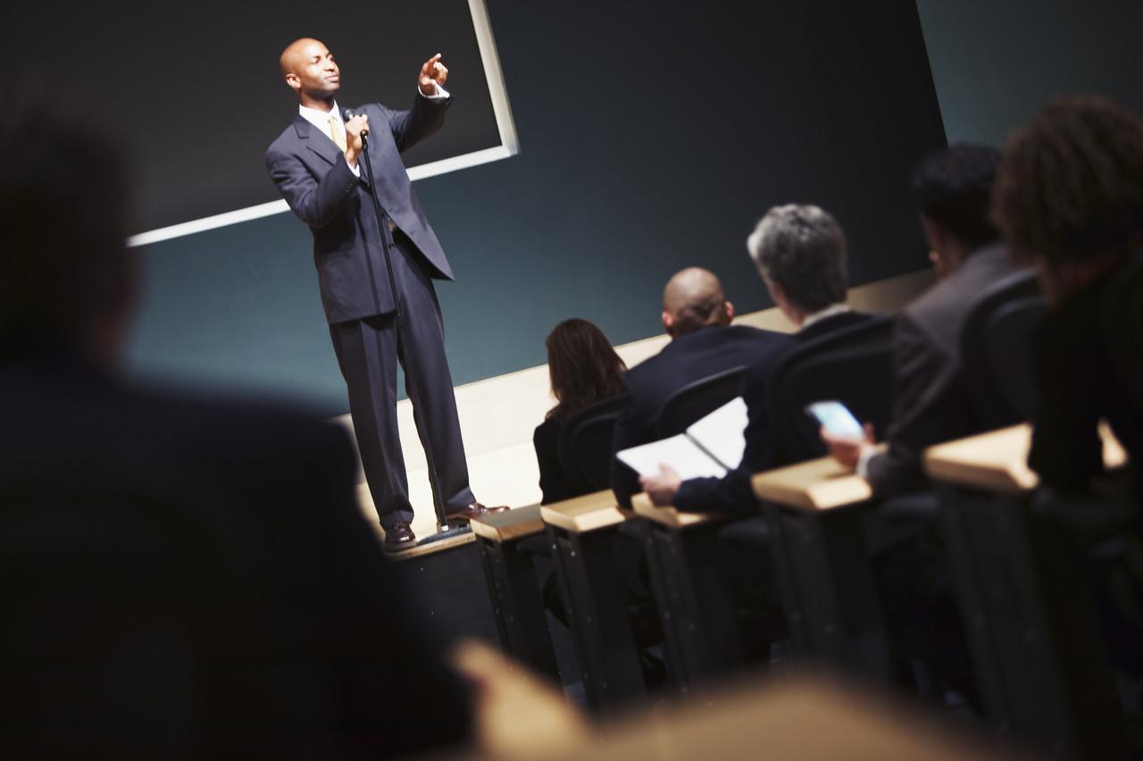 Negócios de palestras - Roberto