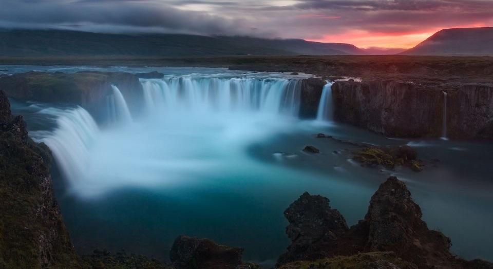 Islândia 300 mil habitantes países mais felizes do mundo