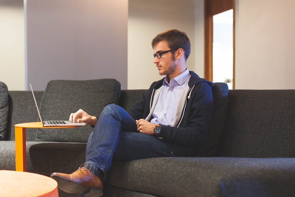 Trabalhe com a internet para trabalhar menos de 4 horas por dia