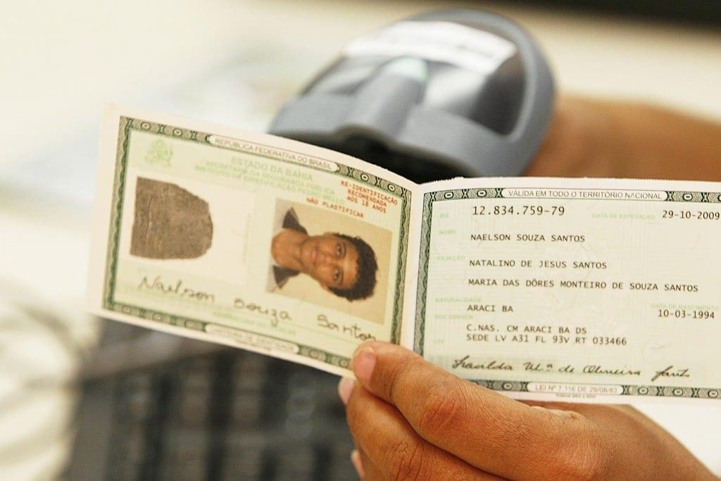 Muitos países permitem que cruze a fronteira somente com o documento de identidade RG