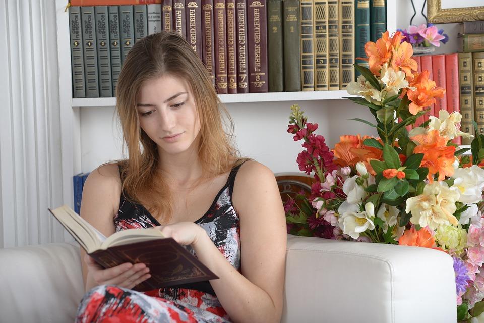 Se dedicar a leitura é fundamental para melhorar sua saúde financeira.