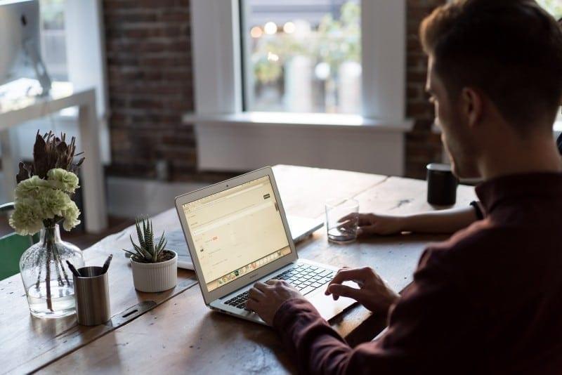 5 dicas para começar a trabalhar em casa em 2017