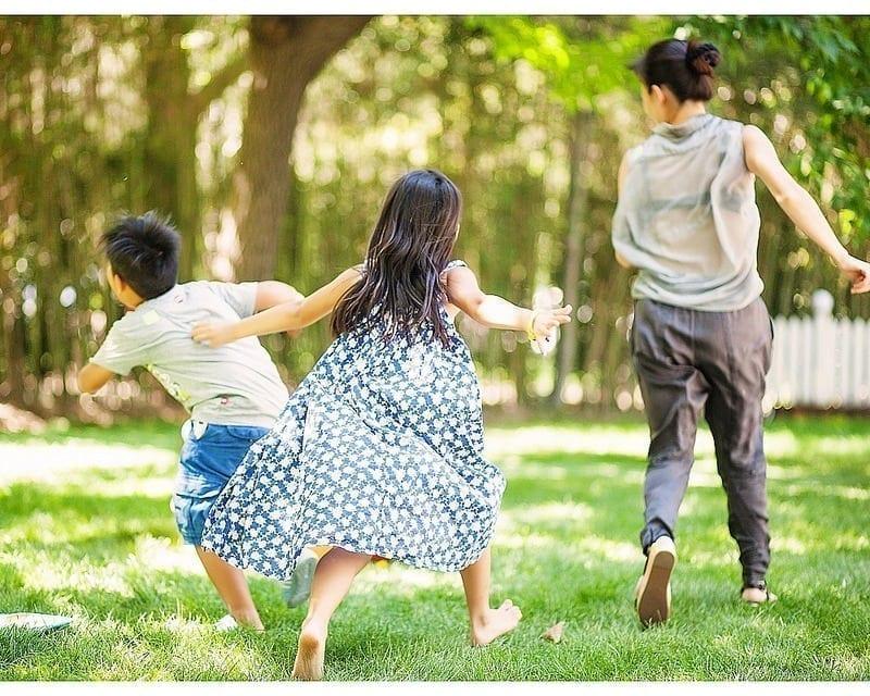 cuidar crianças e idosos em alta