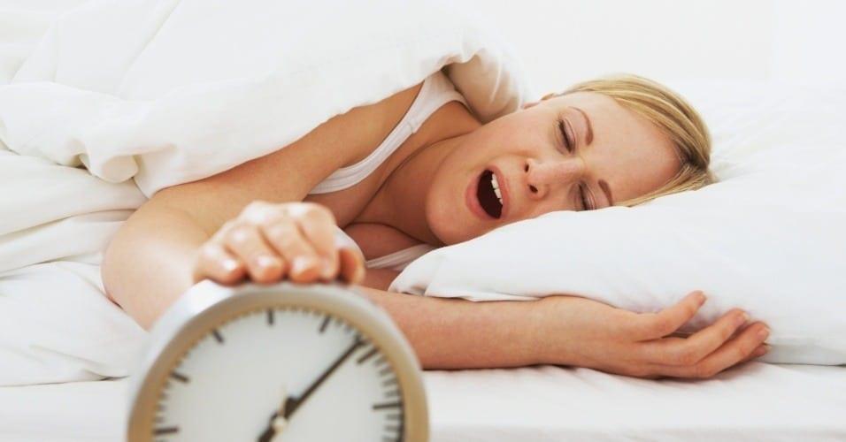 8 passos de como acordar cedo com disposição
