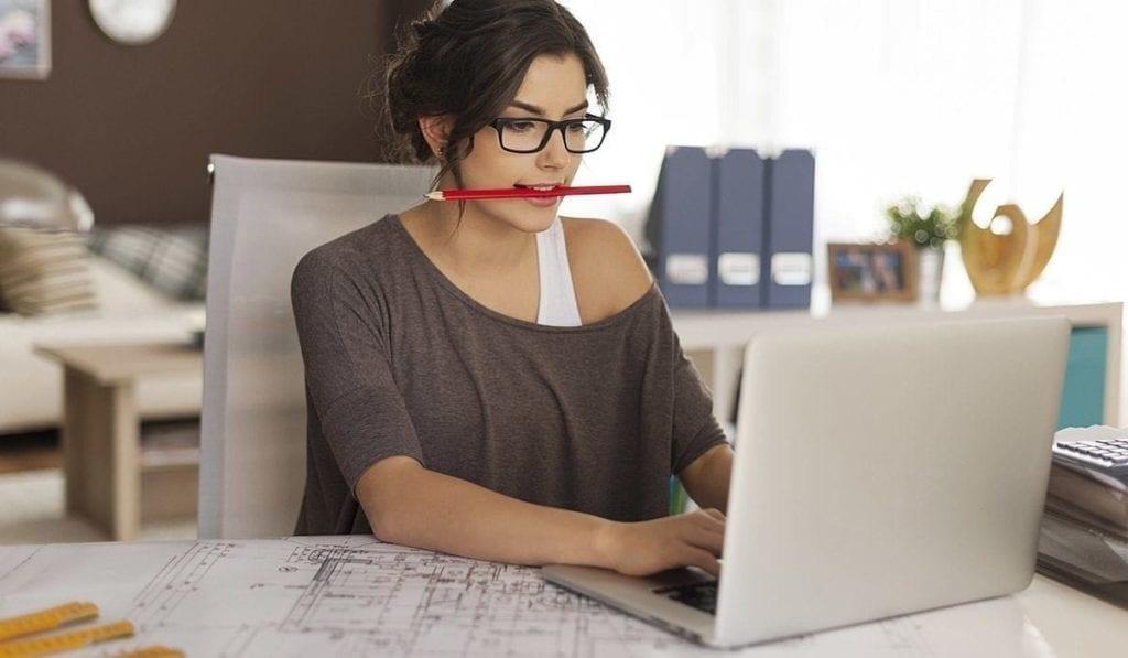 Muitas áreas permitem trabalhos freelancer, como: jornalismo, administração e engenharia