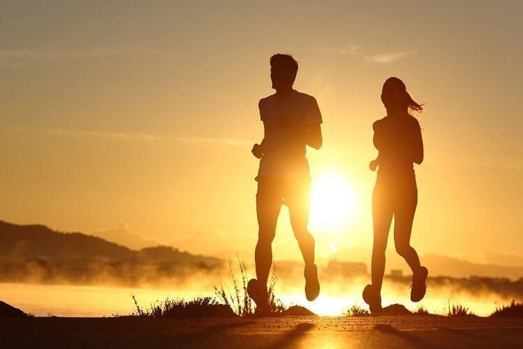 atividade física como acordar cedo com disposição