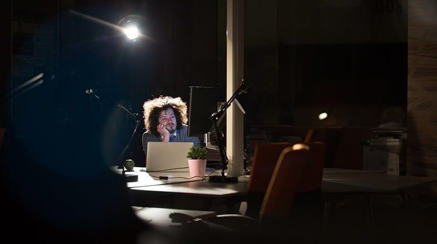 Como parar de se preocupar com o cálculo de adicional noturno?