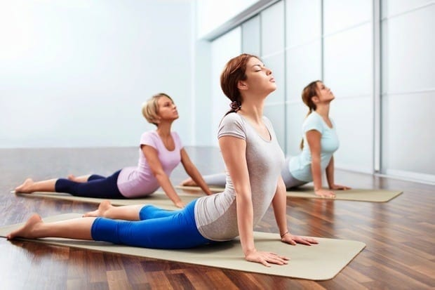 como praticar yoga