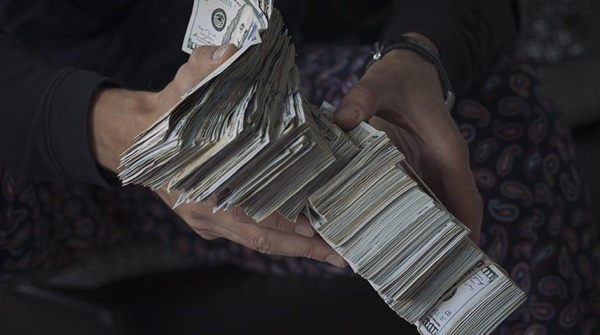 Como empreendedores digitais ganham dinheiro na internet?