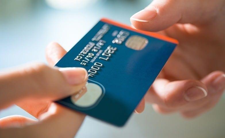 organização financeira usando o cartão de crédito 2