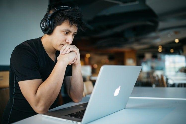 estudar pela internet