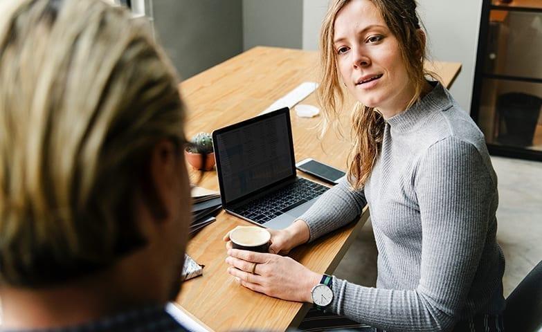 Conversa com colegas do trabalho para gerar motivação
