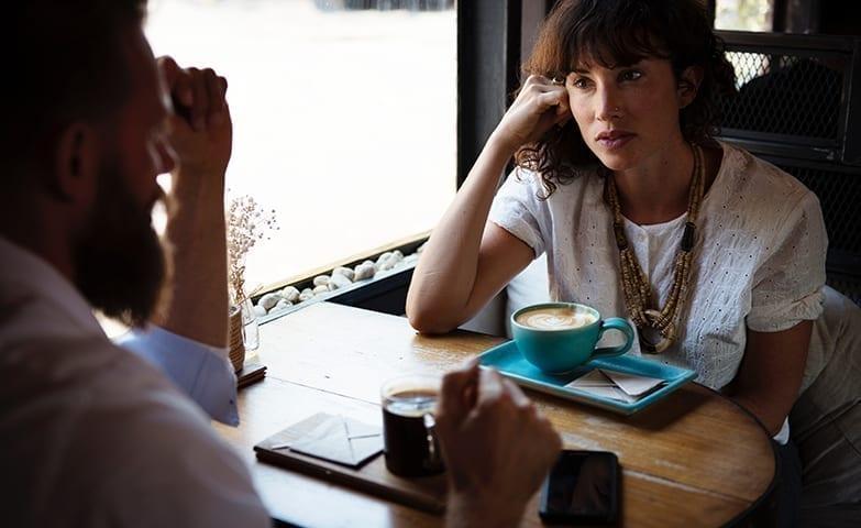 Pessoas se conectando através do marketing multinível