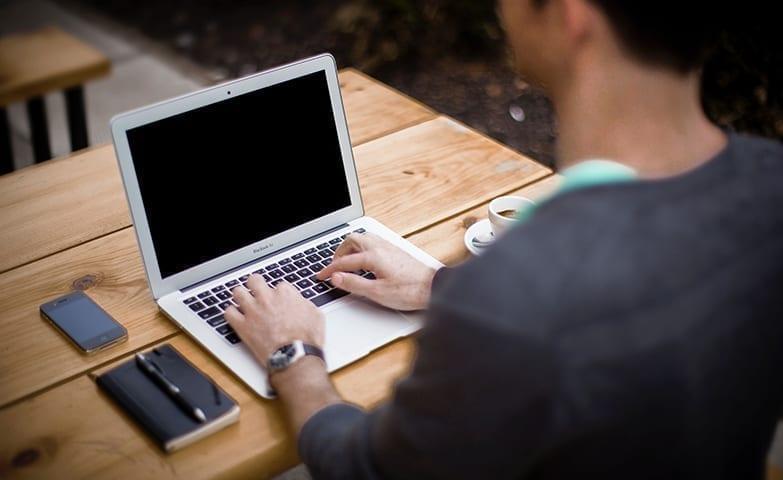 Ganhar dinheiro em casa com blog