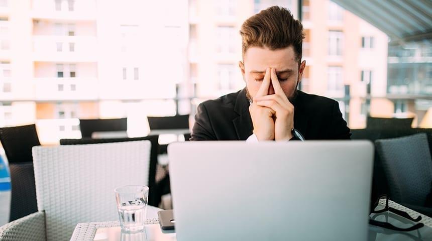 Depressão no trabalho tratamento – Como lidar?