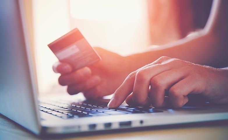 Vendas online só crescem no Brasil e no mundo