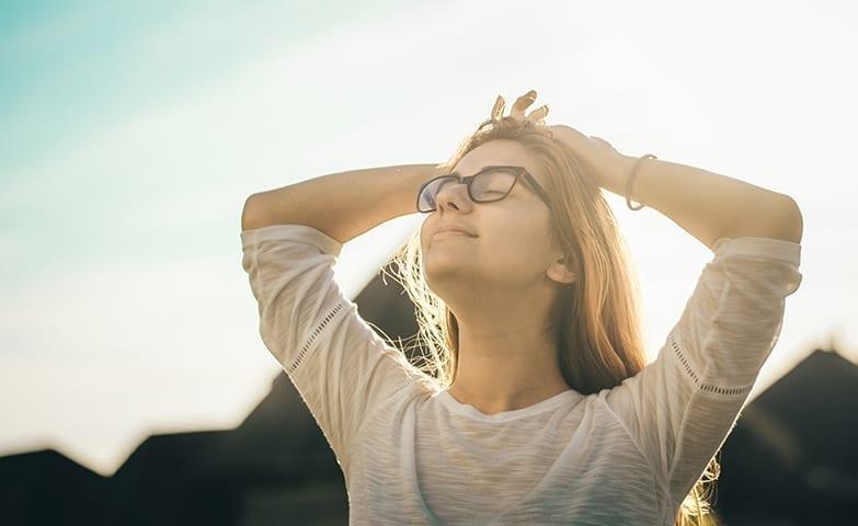 Auto hipnose é um dos tratamentos alternativos para depressão no trabalho