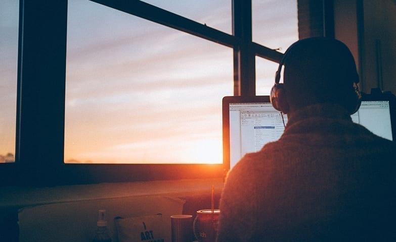Disciplina e respeito aos horários ao trabalhar em casa